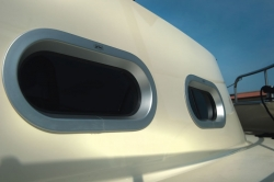 Portlight Circular Ended - Opening (400 × 200mm)